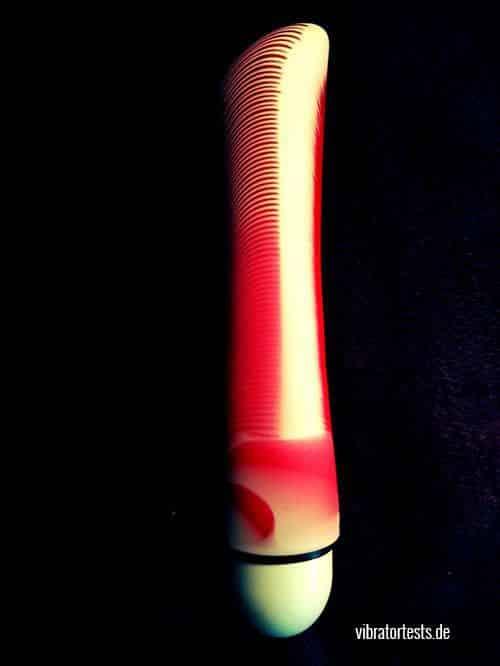 Joydivision-Fury-Rot Weiß-Gesamtansicht