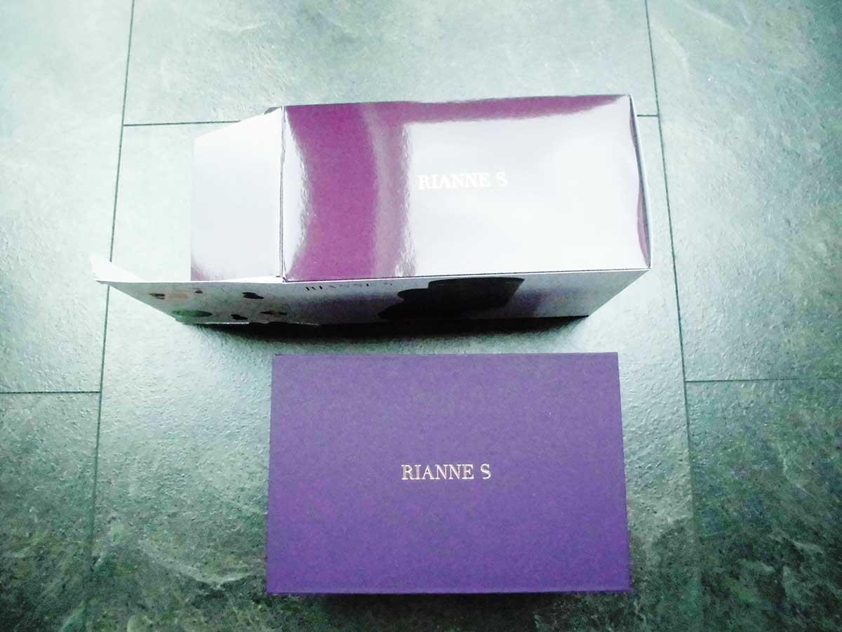 Der Rianne S Matryoshka in seiner hübschen lilafarbenen Verpackung