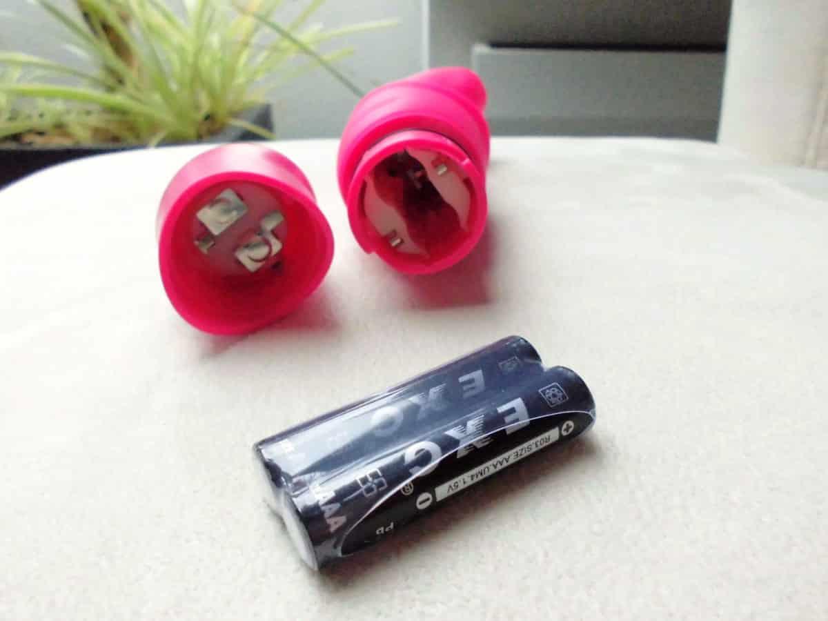 Touche Vibrator Frigga rosa Batteriefach
