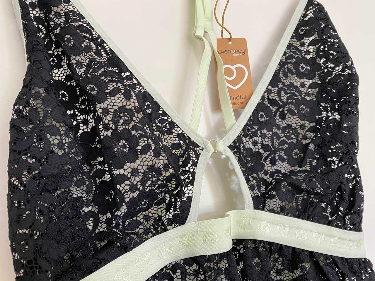Details des Ausschnitts Lovehoney Mindful Lace Green Teddy